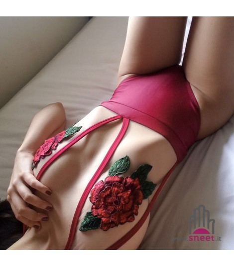 Body trasparent red roses
