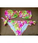 Bikini flowers Vee